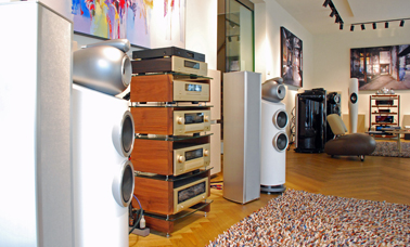 Accuphase, Piega en Bowers & Wilkins bij Poulissen
